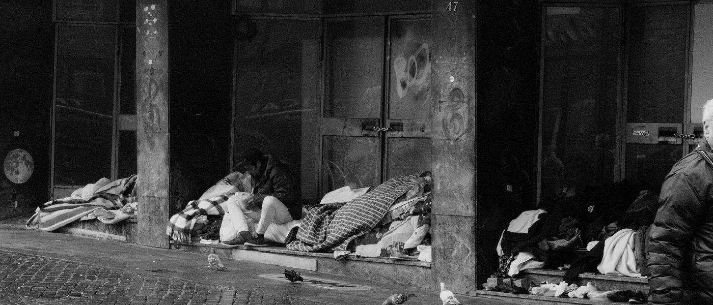 homeless-3987525_1920