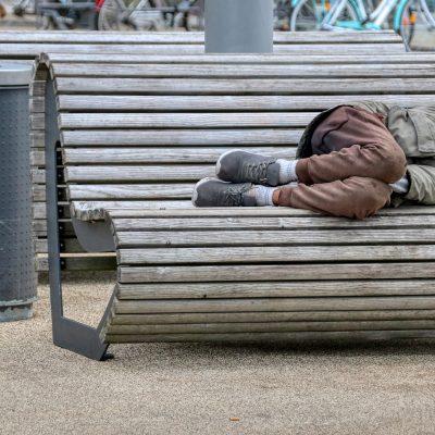 homeless-5283148_1920